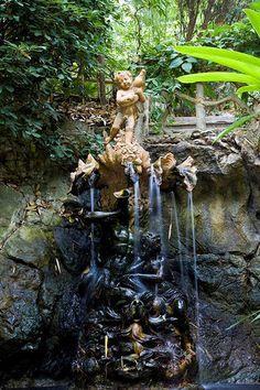 garden fountain, Villa Ephrussi de Rothschild (Villa Île-de-France), seaside villa located at Saint-Jean-Cap-Ferrat on the French Riviera