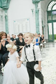 Luxe Report: Luxe Entertaining: A Palm Beach Wedding. Cutest flower girl and ring bearer! Photo by Bee Photographie
