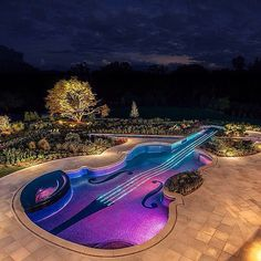 Amazing pool! #pool #guitar #design #luxury   #picture #photograph #photography