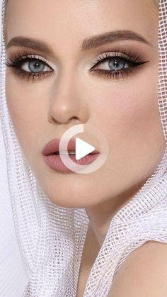 Easiest Blue Eye Makeup Tutorial: Eye Makeup Summer Makeup Looks blue Easiest Eye Makeup tutorial Eye Makeup Blue, Eye Makeup Diy, Natural Eye Makeup, Natural Eyes, Makeup Ideas, Natural Hair, Makeup Tips For Blue Eyes, Party Eye Makeup, Makeup Crafts