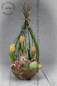 I Looove this Easter Arrangement 🐰🐇 Easter Flower Arrangements, Easter Flowers, Floral Arrangements, Spring Crafts, Holiday Crafts, Easter Table Decorations, Deco Floral, Easter Wreaths, Easter Baskets