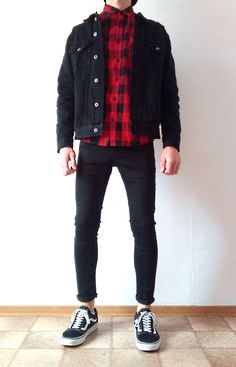 Vans old skool black skinny jeans boys guys outfit vans love Skinny Jeans Jungs, Vans Old Skool Schwarz, Dope Outfits, Fashion Outfits, Fashion Clothes, Casual Outfits, Stylish Men, Men Casual, Cheap Mens Fashion