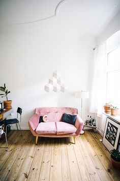 Pink Sofa // In need of a detox? Get 10% off your @SkinnyMeTea 'teatox' using our discount code 'Pinterest10' at skinnymetea.com.au