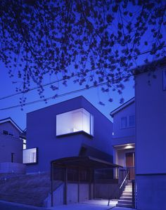 HOUSE IN SUITA, Osaka, Japan Horibe Naoko Architect Office http://vectroave.com/2011/08/house-in-suita/