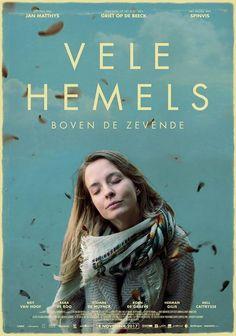 Vele hemels boven de zevende  naar het boek van Griet op de Beeck. Eva staat altijd klaar om de wereld te redden. Ze is een rots in de branding voor haar puberende nichtje, haar ruziënde ouders en haar dolverliefde zus.