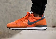 Nike Internationalist Returns in Electric Orange - SneakerNews.com