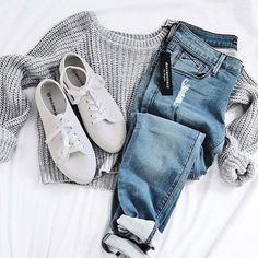   Grey Cable knit Sweater   Distressed Boyfriend Jeans   White Tennis Shoes  