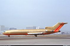 Boeing 727, Boeing Aircraft, Air Charter, Airplane Art, Southwest Airlines, Commercial Aircraft, World Pictures, Pista, Flight Attendant