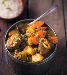 A delicious traditional South African Karoo Lamb Curry is rib-sticking and will warm you up all the way to your toes. Lamb Recipes, Spicy Recipes, Curry Recipes, Wine Recipes, Food Network Recipes, Indian Food Recipes, Family Recipes, Vegan Recipes, Cooking Recipes