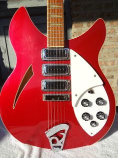 1985 RARE Excellent Rickenbacker 370 WB w OHSC Matching Strap