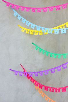 DIY Papel Picado Streamers - Cinco de Mayo or Mexican Fiesta Taco Party, Pinata Party, Diy Party, Party Ideas, Party Streamers, Diy Streamer Decorations, Party Decoration, Wedding Decorations, Diy Papier
