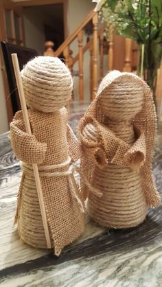Creative Ideas and Practices: A rope nativity scene and jute burlap of the most . Burlap Crafts, Christmas Projects, Holiday Crafts, Christmas Nativity Scene, Nativity Crafts, Nativity Scenes, Sisal, 242, Theme Noel