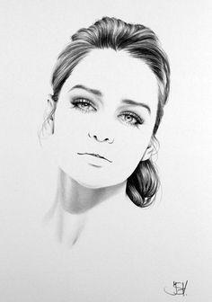 Minimal Pencil Portraits of Female Celebrities - 02