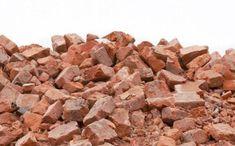 Вторичные строительные материалы отлично подойдут в качестве грунта.