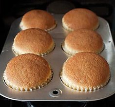 Receta básica de cupcakes con Thermomix « Trucos de cocina Thermomix Bakery Recipes, Cupcake Recipes, Snack Recipes, Cooking Recipes, Fancy Desserts, No Cook Desserts, Delicious Desserts, Muffins, Fondant Cakes