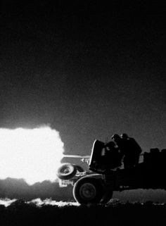 Members of the British Eighth Army fire in the deserts of Libya. July, 1942. Unattributed