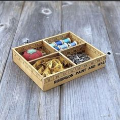 Diy Craft Projects, Sewing Projects, Craft Ideas, Sewing Ideas, Wood Projects, Paint Stick Crafts, Crafts To Make, Rustic Crafts, Wood Crafts