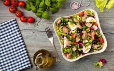 French Cuisine: 40 Salad With Tuna Ideas - Food Salad Recipes, Diet Recipes, Healthy Recipes, Tasty Meals, Steak Soja, Healthy Salads, Healthy Eating, Salad Toppings, Tone It Up