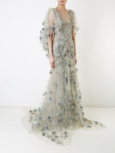 You'll find a great selection of women's designer evening dresses at Farfetch. Search from over 2000 designers for your perfect designer evening dress Stunning Dresses, Beautiful Gowns, Elegant Dresses, Pretty Dresses, Beautiful Outfits, White Evening Gowns, White Ball Gowns, Evening Dresses With Sleeves, Sleeve Dresses