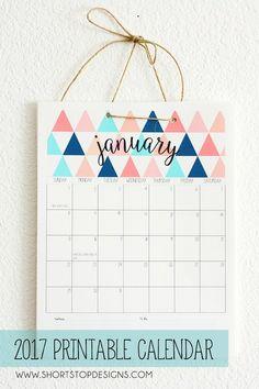 新年がスタートし、これからお店でカレンダーを買うには、素敵なものは品薄状態! そんな時はデータをDLして自分で印刷しちゃいましょう♡今は、無料で素敵なデザインのもが豊富に揃っているんですよ。さっそく見ていきましょう。