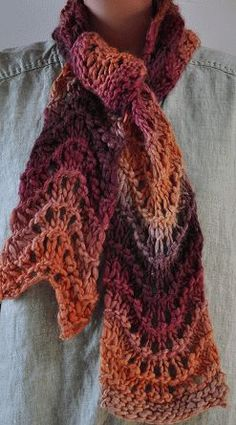 Chunky Mochi Fan Stitch Scarf - Crystal Palace Yarns - free knit scarf pattern