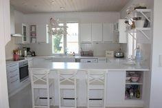 Villa Elina: Lisää kuvia keittiöstä