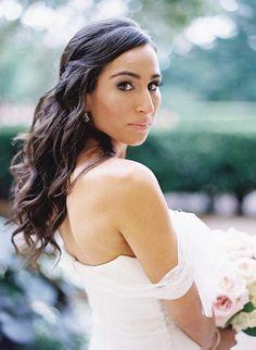 Wedding Hair Idea: Long relaxed wedding hair.