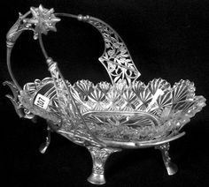 VICTORIAN PICKLE DISH, CLEAR PATTERN GLASS INSERT SET ON FANCY ROGERS SILVER PLATE FRAME