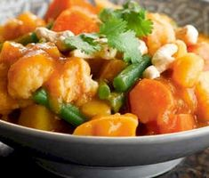 This nutritious Spicy Vegetable Curry is a great way to get your fill of healthy vegetables can be easily frozen for convenient meals in the coming weeks. Going Vegetarian, Vegetarian Recipes, Healthy Vegetables, Veggies, Diet Recipes, Healthy Recipes, Healthy Meals, Healthy Food, Curry Ingredients