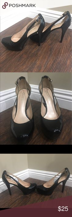 Guess patent leather sling back heels Guess black patent leather sling back heels. Closed toe. Heel height is 4 1/2 inches Guess Shoes Heels