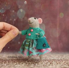 Needle Felt felting Gray wooled mouse pretty cute mouse sweet