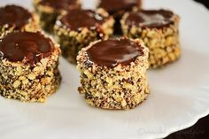Tobite - Saraberne - Sarah Bernhardt - Dulciuri fel de fel Romanian Desserts, Cake Recipes, Dessert Recipes, Cacao, Sweet Desserts, Creative Food, Cake Designs, Sweet Tooth, Cheesecake