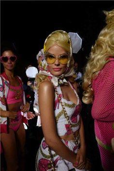 Gafas de sol primavera/verano 2015: fotos de los modelos - Gafas de sol Moschino