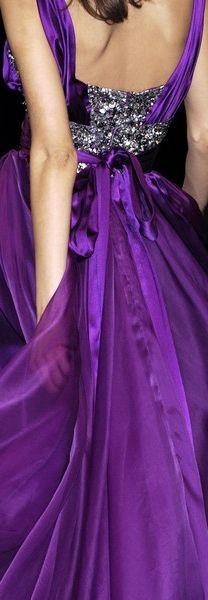 Het paars, de glans en het zilver... voor het kleurtype lichte winter (W1).