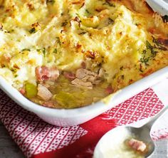 For a quick and easy family dinner, try this hearty cottage pie packed with succulent chicken thighs, crispy bacon lardons and a topping of cheesy golden mash potato. | Tesco