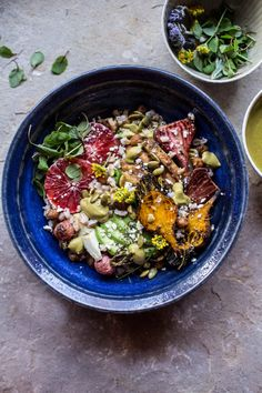 Bitchin' California Bowl…happening now on HBH! It's dinner tonight! Let's do… – Recipes Healthy Dinner Recipes, Whole Food Recipes, Vegetarian Recipes, Vegan Meals, Healthy Meals, Easy Meals, California Bowl, Clean Eating, Healthy Eating