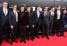 "Adam McKay, Brad Pitt, Byron Mann, Finn Wittrock, Michael Lewis, Steve Carrell, Jeremy Strong, Ryan Gosling y John Magaro en el estreno de ""The Big Short"""