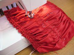 come fare drappeggio con punto sfilza-tutorial,corpino drappeggiato,drappeggio verticale foto,draping fabric,come drappeggiare corpetto,tessuto,handmade ,drape fabric on a dress