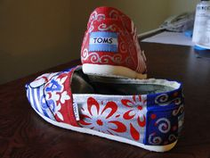 Texas Baseball Shoes by HeartNSoleDesigns on Etsy Texas Baseball, Baseball Shoes, Painted Canvas Shoes, Painted Toms, Baseball Drawings, Baseball Crafts, Diy Crafts For Gifts, Texas Rangers, Trending Outfits