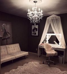 Best, most simple and glamorous beauty room I've seen yet. ♡
