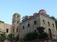 Chiesa di San Cataldo: https://it.wikipedia.org/wiki/Chiesa_di_San_Cataldo_%28Palermo%29