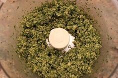 Pesto--How to Make It and Freeze It Freezing Basil, Freezing Fruit, Recipes Using Pesto, Pesto Recipe, How To Make Pesto, How To Dry Basil, Pesto Dip, Slider Sandwiches, Vegetarian Recipes