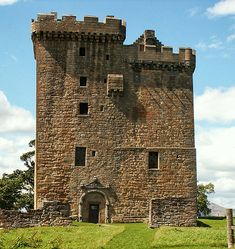 Alloa Tower, Alloa, Clackmannanshire, Scotland... http://www.castlesandmanorhouses.com/ ... Alloa Tower was the medieval residence of the Erskine family, later Earls of Mar. Dating from the 14th century, it retains original timber roof and battlements. The Tower is the largest and one of the earliest Scottish tower houses.