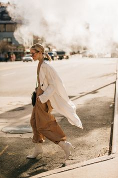 Street Style: look e tendenze alla New York Fashion Week Look Street Style, New York Fashion Week Street Style, Nyfw Street Style, New York Street, Cool Street Fashion, Street Chic, Street Style Women, Style Fashion, Winter Trends