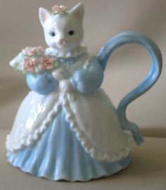 Cat Figurine Teapot