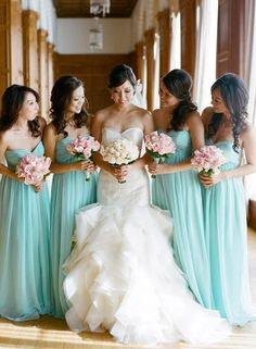 wedding dress, bridesmaid dress, photo tiffany blue bridesmaids with pink bouquets. Pretty wedding dress too! Love this color scheme and the dresses! Vestidos Tiffany, Tiffany Blue Bridesmaids, Green Bridesmaids, Bridesmaid Bouquet, Blue Wedding, Dream Wedding, Tiffany Wedding, Wedding Colors, Summer Wedding