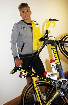 #TdF #MarcelKittel with his new jersey and bike!