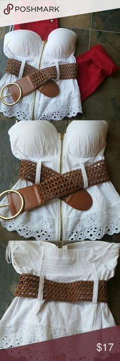 White corset crop fashion top Super cute and Sexy can b paired with denim, skirts, shorts. Like new perfect condition never worn Rue21 Tops Crop Tops