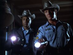 """Geoffrey Thorne as Wilson Sweet. Alan Autry as Bubba Skinner. - """"In the heat of the night."""""""