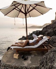 Daydreaming of La Dolce Vita 🇮🇹 Photography Beach, Travel Photography, Summer Feeling, Summer Vibes, European Summer, Wanderlust, Summer Aesthetic, Summer Travel, Beach Day